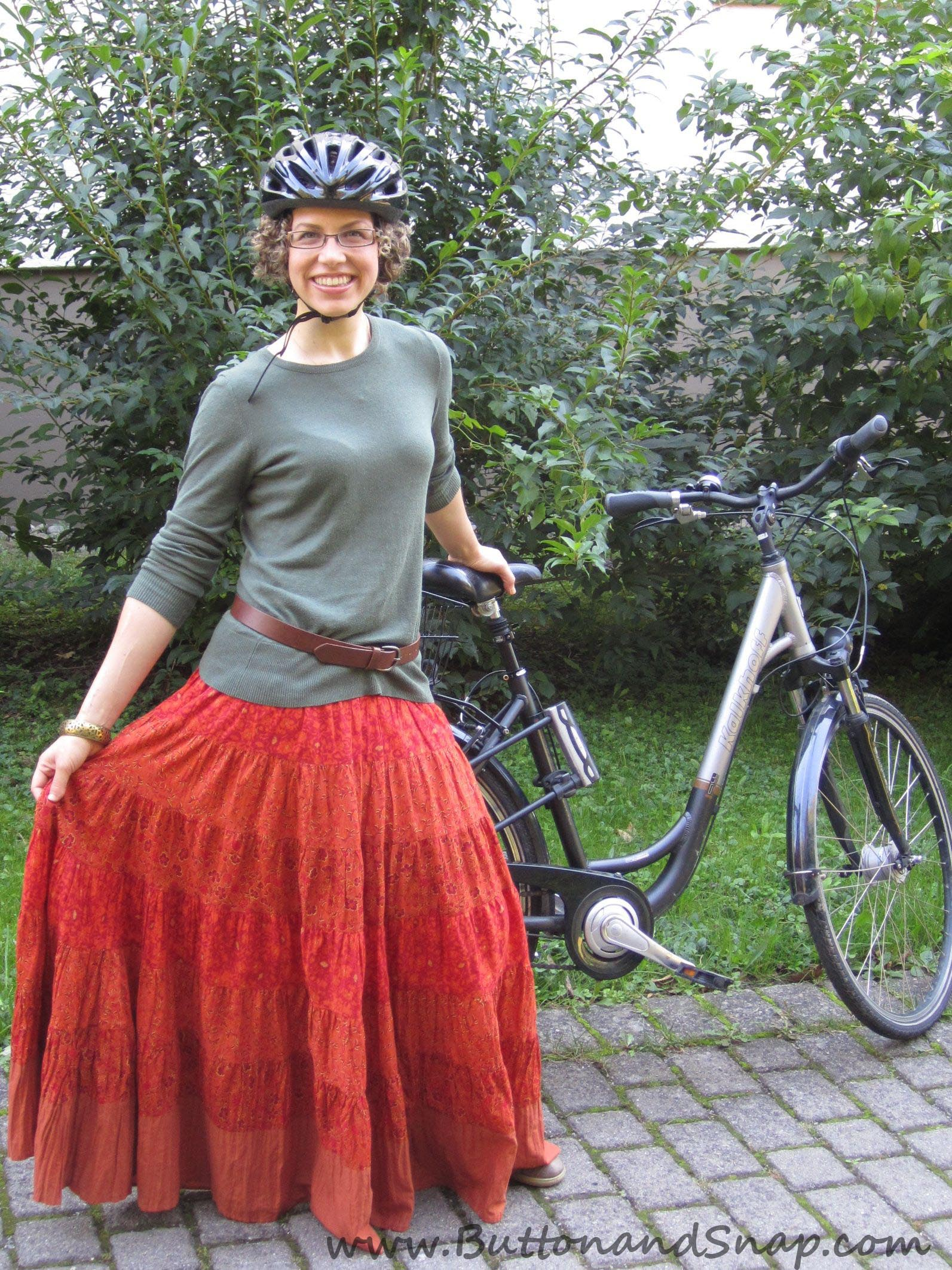 tutorial bicycling in skirt