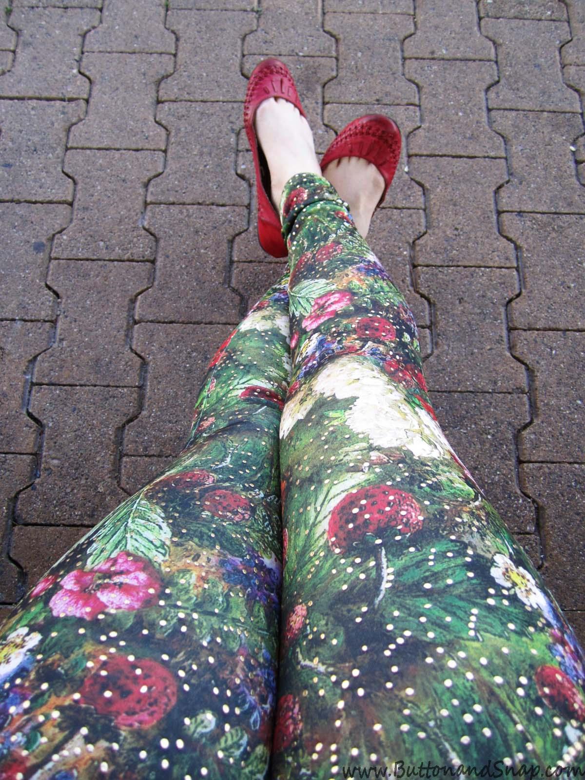 Floral leggings selfie 2