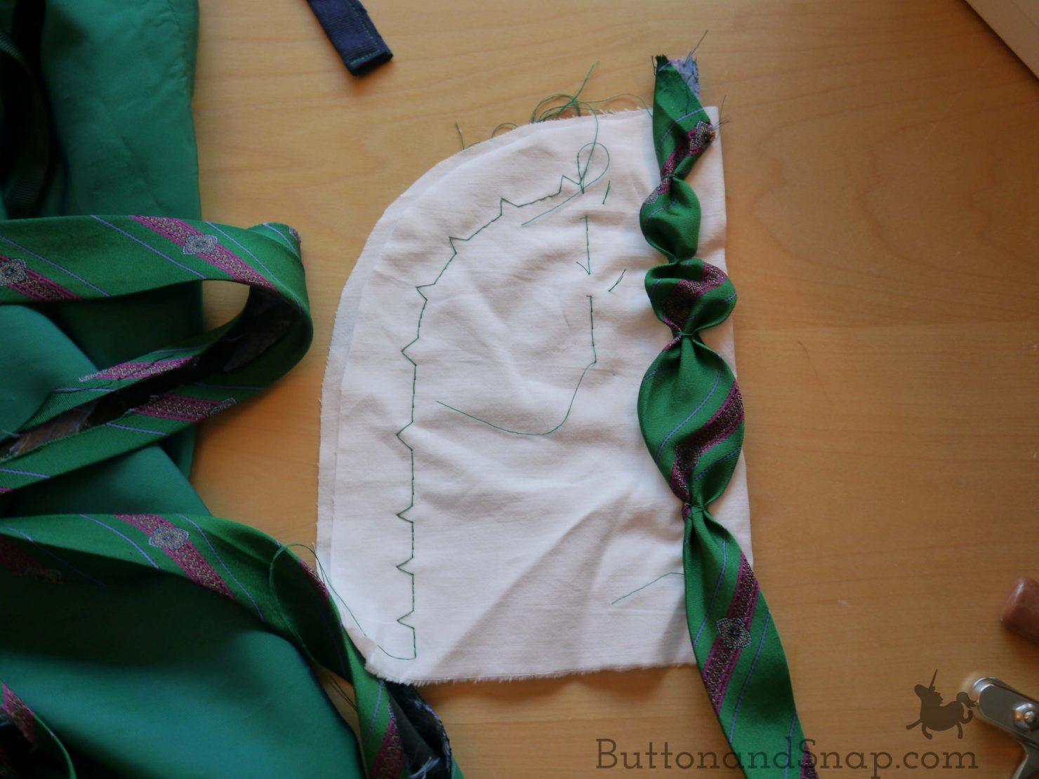 Attaching bias tape puffs
