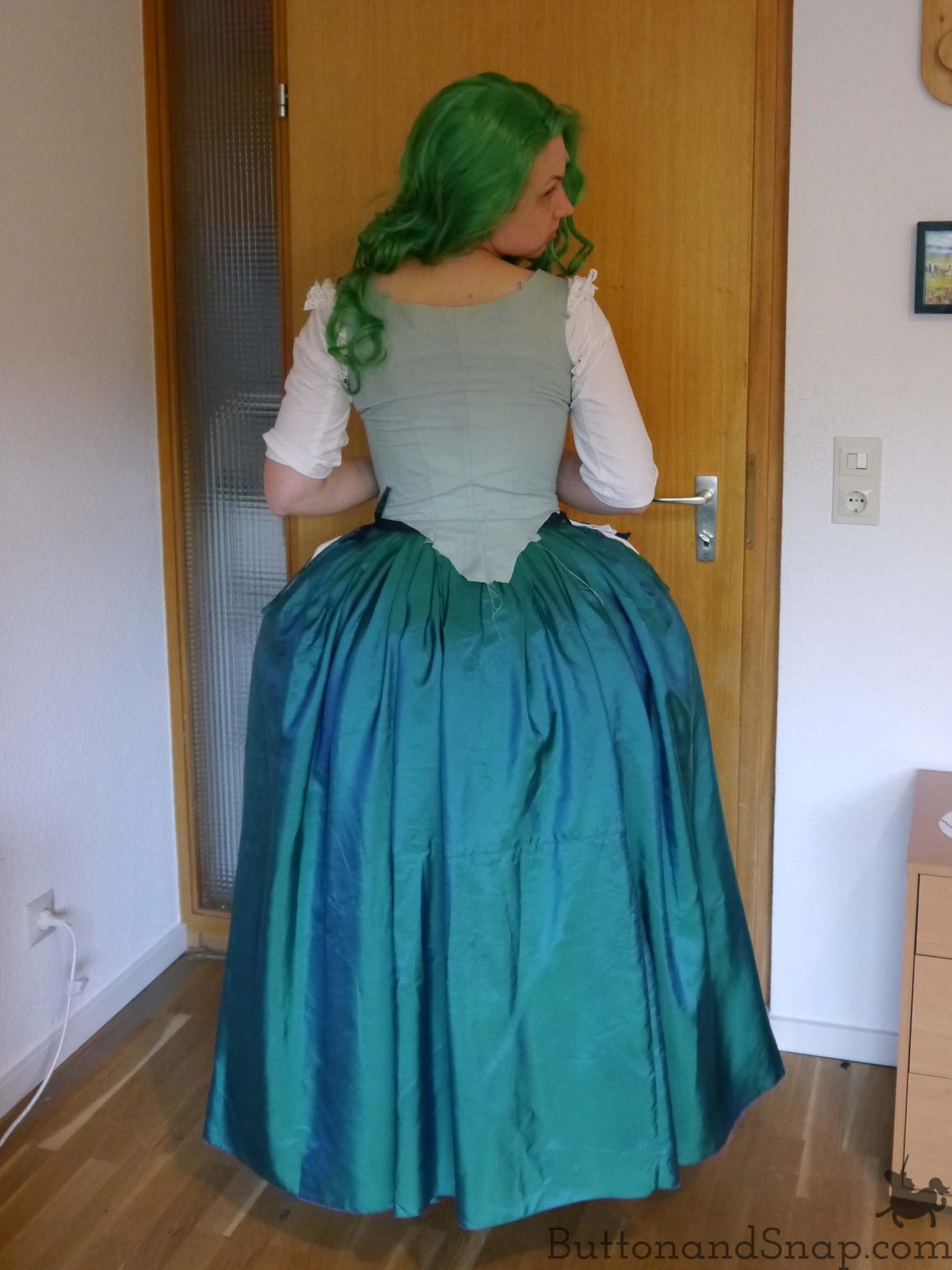 Trying on_Skirt_Stomacher_Back