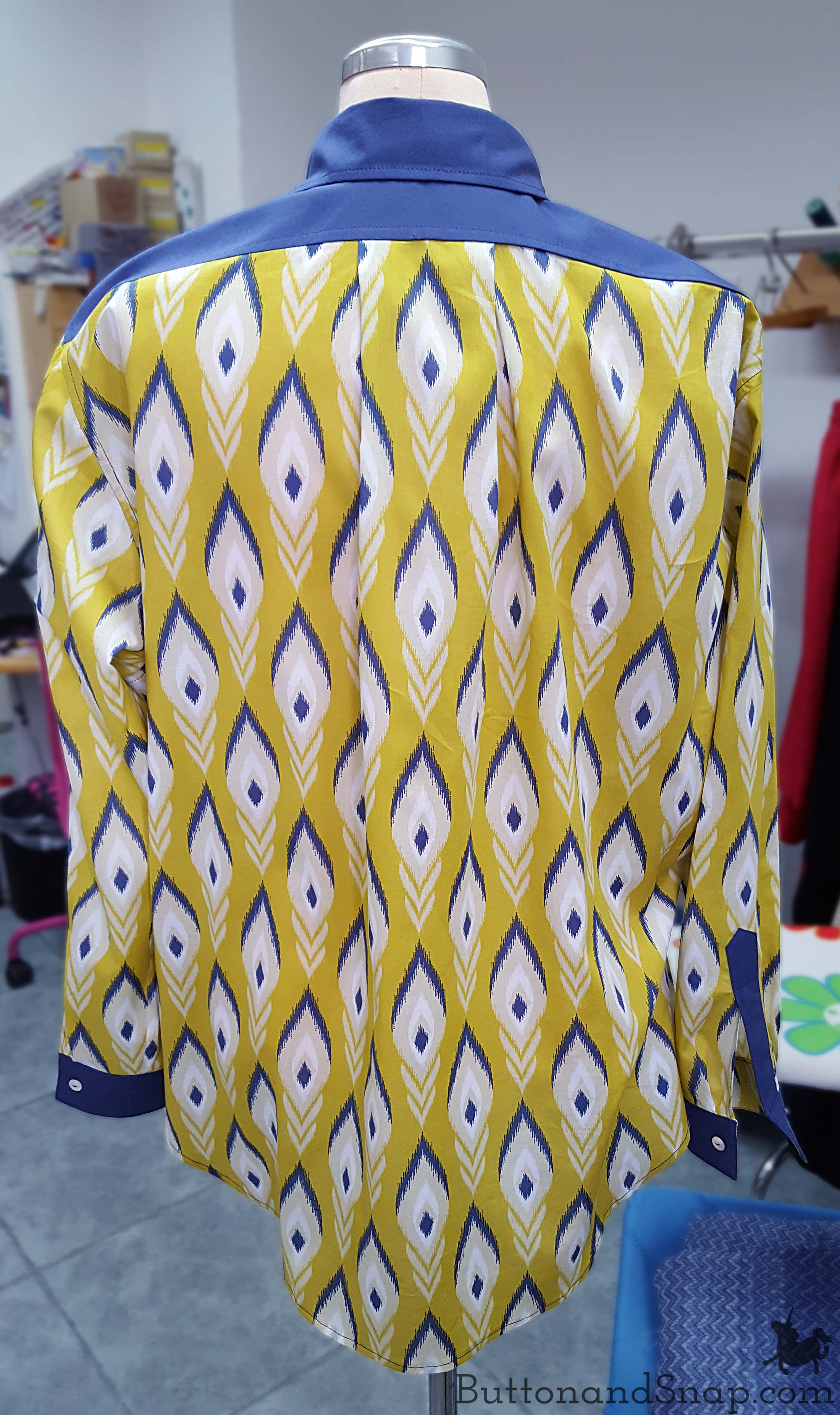 yellow-blouse-back